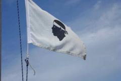 A 12 miglia dalla Corsica si issa la bandiera di cortesia